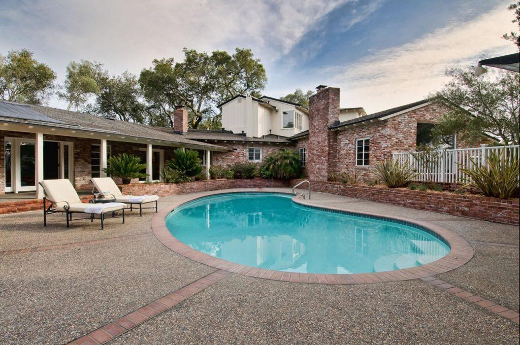 beautiful-backyard-pool-m